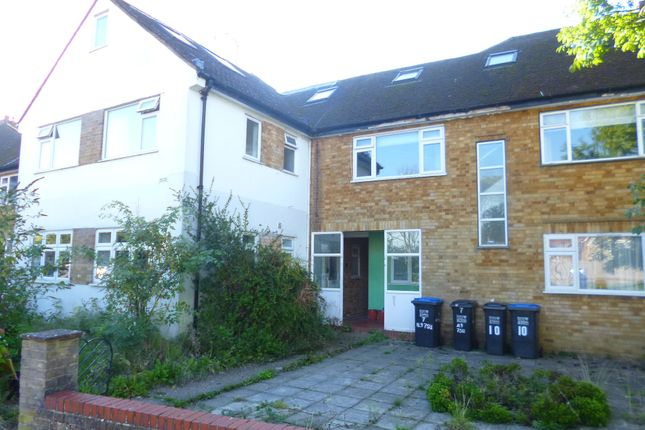 Thumbnail Maisonette to rent in Station Close, Brookmans Park, Herts
