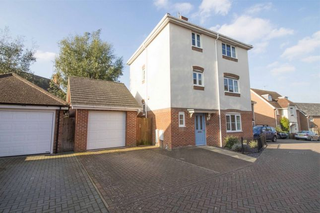 Thumbnail Detached house for sale in Myllers Lond, Hook