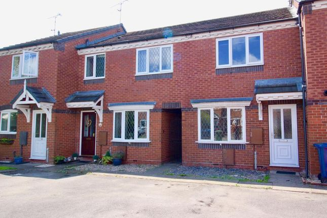 Thumbnail Town house to rent in Caernarvon Avenue, Stone, Staffordshire