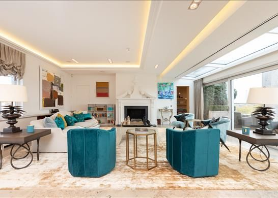 Thumbnail Flat to rent in Avenfield House, Mayfair, London