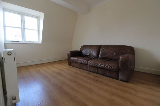 Living Room of High Street, Bromley BR1