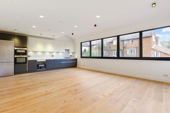 Thumbnail Flat to rent in North End Road, Golders Hil Park