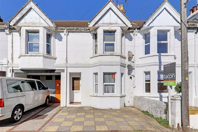 Thumbnail Flat for sale in Becket Road, Tarring, Worthing, West Sussex
