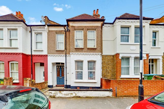 1 bed flat for sale in Wyndcliff Road, Charlton, London SE7