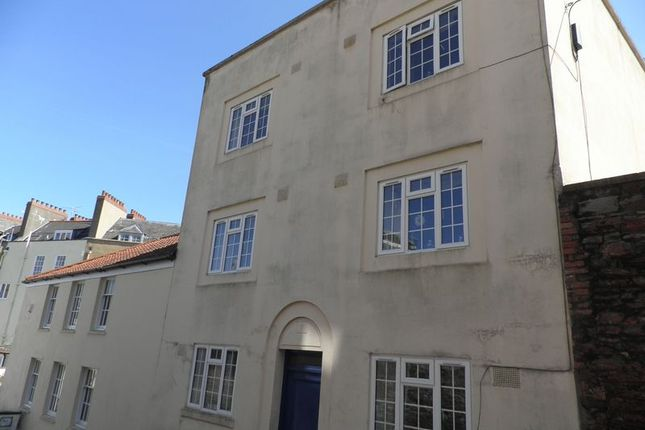 Thumbnail Flat to rent in Upper Byron Place, Clifton, Bristol