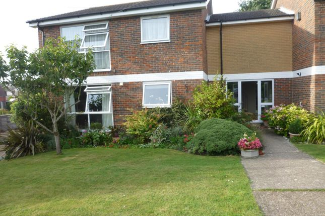 Thumbnail Flat to rent in Claire Gardens, Clanfield, Waterlooville