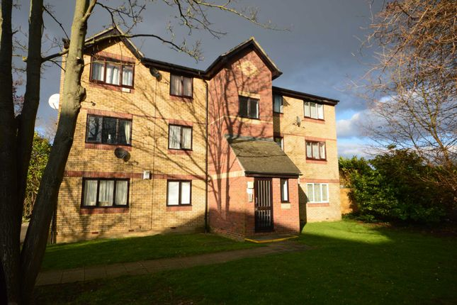 Thumbnail Flat to rent in Shortlands Close, Belvedere