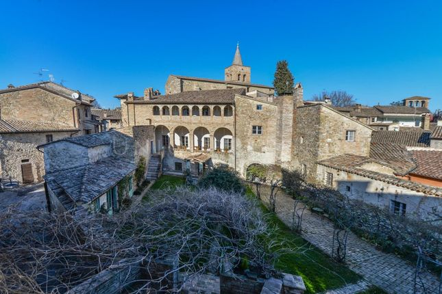 Thumbnail Hotel/guest house for sale in Foligno, 06034, Italy