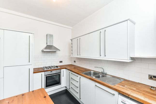 2 bed flat for sale in Cambria Road, London SE5