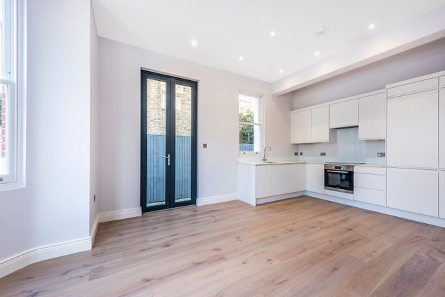 Thumbnail Flat for sale in Birch Grove, London