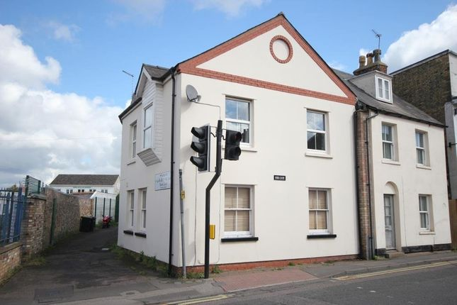 Flat for sale in Woolpack Yard, Newnham Street, Ely