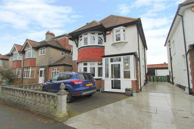 Thumbnail Detached house for sale in Queen Elizabeths Walk, Wallington