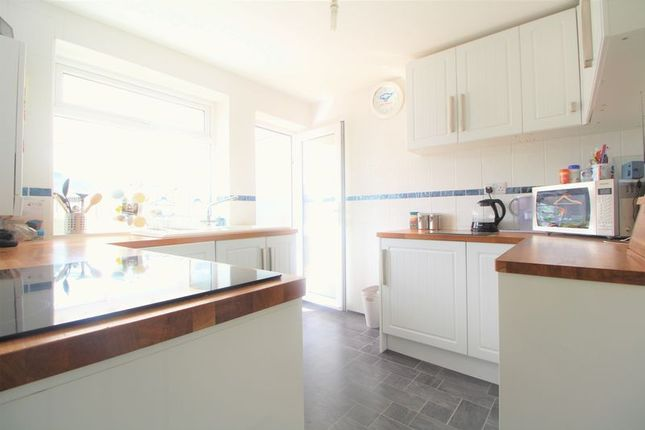Thumbnail Bungalow for sale in Chapterhouse Road, Luton