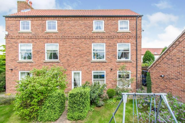 8 bed detached house for sale in Norwith Hill, Newington, Doncaster DN10