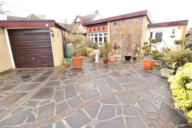 Thumbnail Detached bungalow for sale in Kelly Road, Bowers Gifford, Basildon
