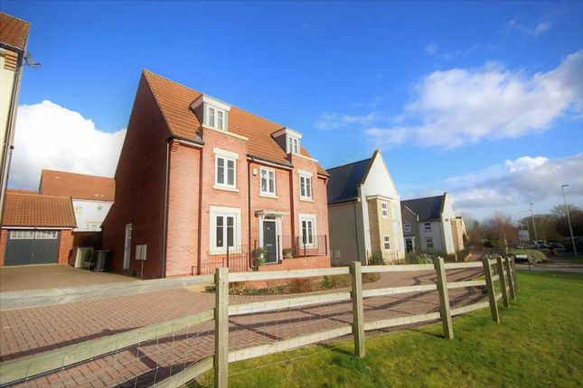 Thumbnail Detached house for sale in Beaney View, Manor Brook, Swindon