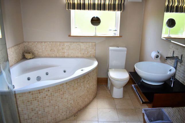 Bathroom of Richmond Drive, Tandragee BT62