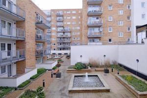 Thumbnail Flat to rent in Rosemoor House / 90-94 Broadway, Ealing