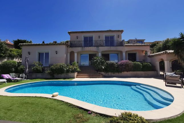 Villa for sale in Saint Aygulf, 83370, France