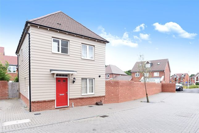 Thumbnail Property to rent in Gardenia, Woodley, Reading, Berkshire