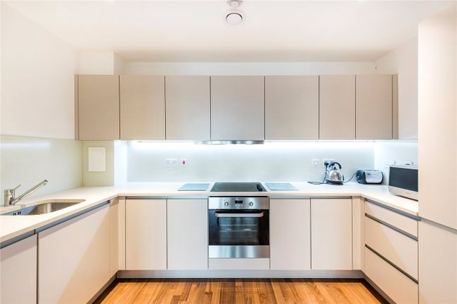 Thumbnail Flat to rent in Westgate House, Brentford