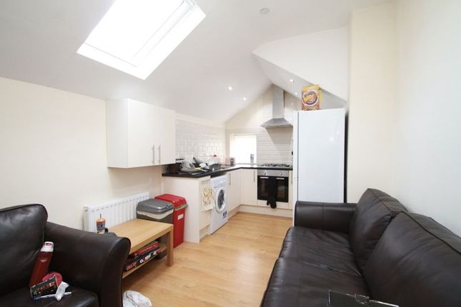 Thumbnail Flat to rent in Tewkesbury Street, Roath, Cardiff
