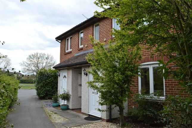 1 bed flat to rent in 30 Shaw Drive, Walton-On-Thames, Surrey KT12