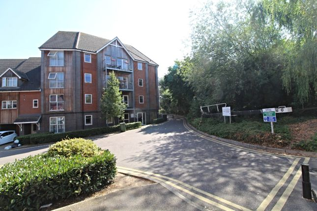 Thumbnail Flat for sale in 17 Millward Drive, Milton Keynes