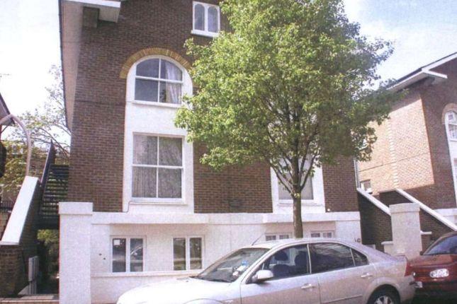 2 bed flat for sale in Lanark Road, London