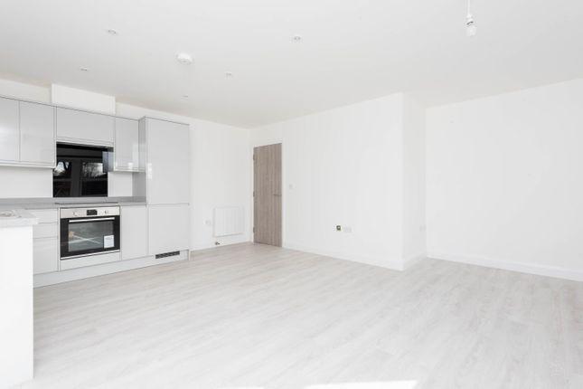 Thumbnail Flat to rent in Apartment 8 Clock Tower, 2-4 High Street, Kidlington