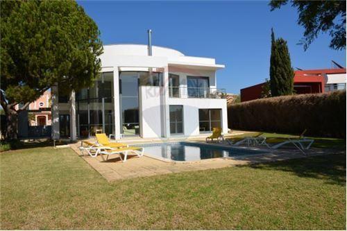 5 bed villa for sale in Vilamoura, 8125, Portugal