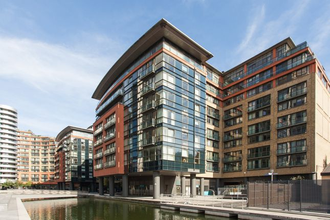 2 bed flat for sale in South Wharf Road, London