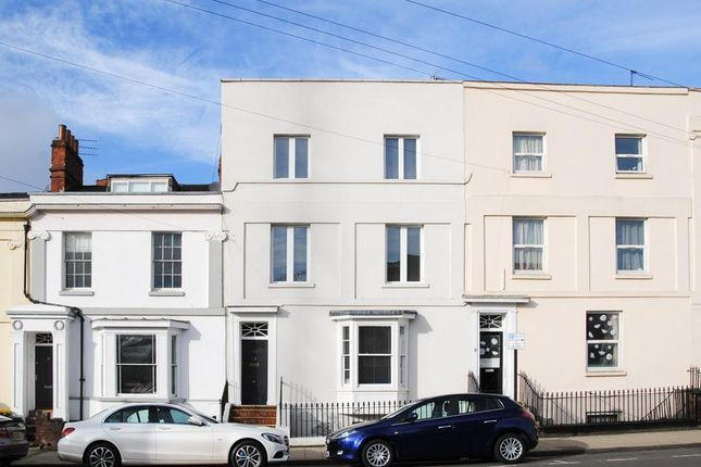 Thumbnail Town house for sale in Grove Street, Leamington Spa