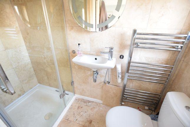 En-Suite of Coast Road, Pevensey Bay BN24