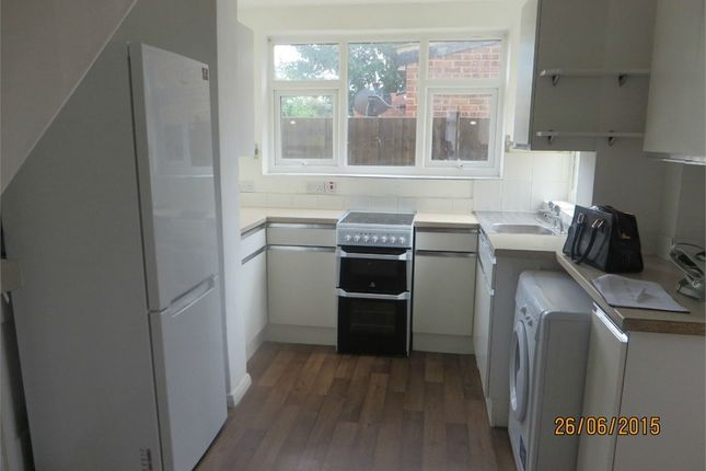 Thumbnail Semi-detached house to rent in Tennyson Road, Hounslow, Middlesex