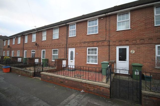 3 bed terraced house to rent in Heneage Road, Grimsby DN32