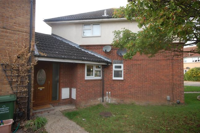 Thumbnail Maisonette for sale in Pickwick Close, Laindon, Essex