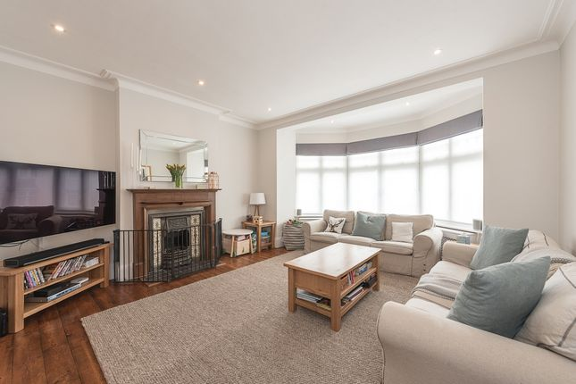 Thumbnail Property to rent in Priory Gardens, London