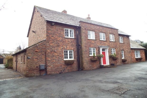 Thumbnail Property to rent in Hough Lane, Wilmslow