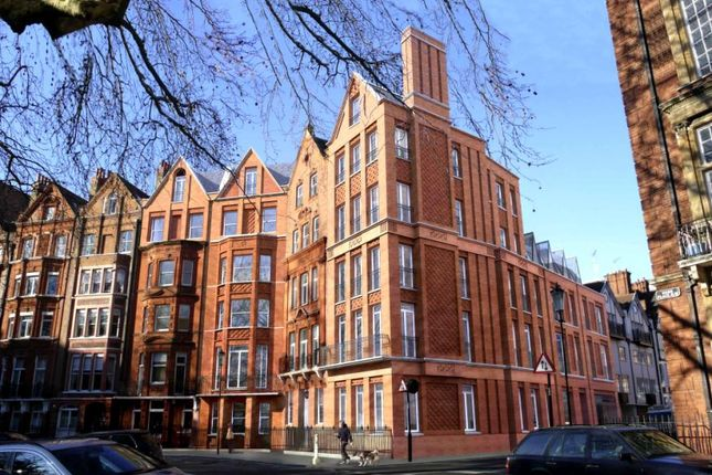 3 bed flat for sale in Hans Place, Knightsbridge