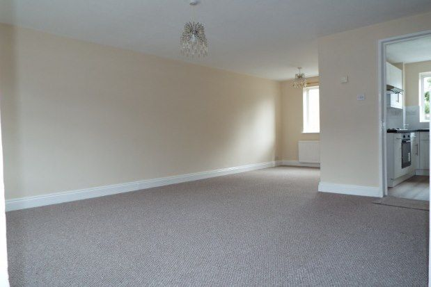 3 bed semi-detached house to rent in Avon Crescent, Bicester OX26