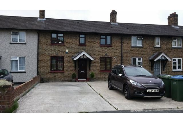 3 bed terraced house to rent in Ealdham Square, Eltham, London