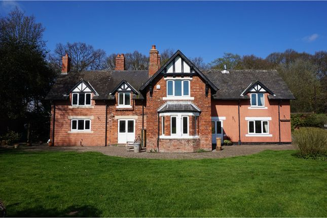 Thumbnail Detached house to rent in Great North Road, Doncaster