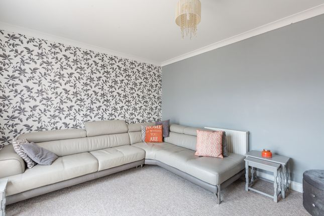 Thumbnail Flat for sale in Carlton Terrace, Portslade, Brighton
