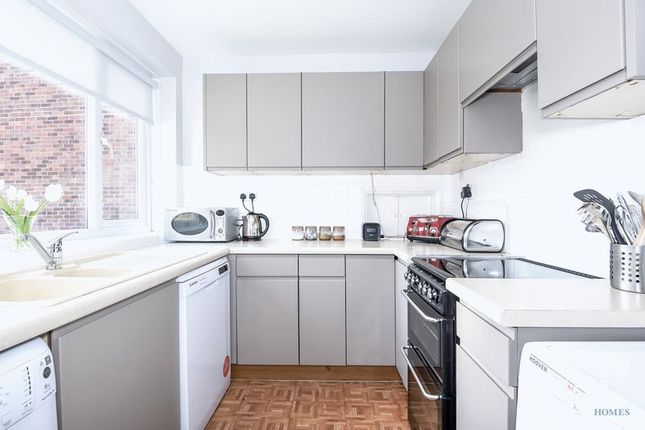 Thumbnail Flat to rent in Stanstead Manor, St James Road, Sutton