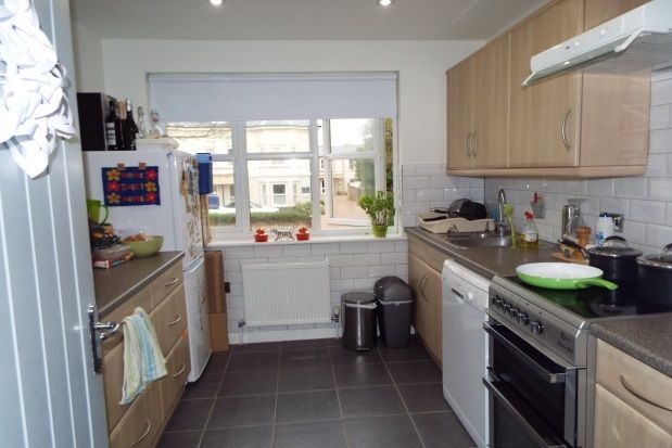 Thumbnail Property to rent in Shelley Road, Worthing