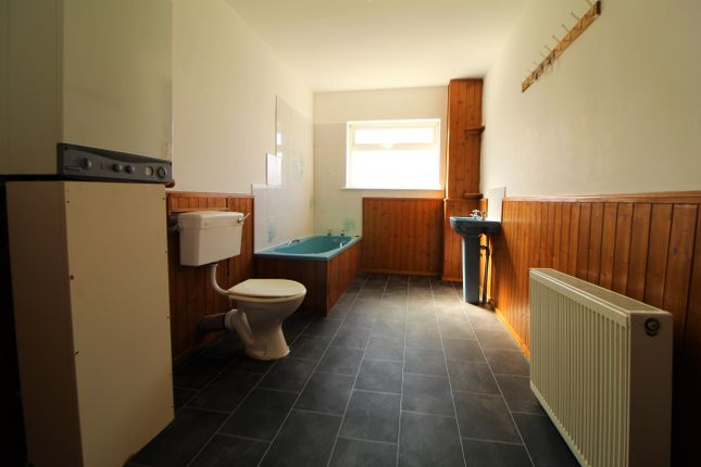 Bathroom  of Castle Street, Grimsby DN32