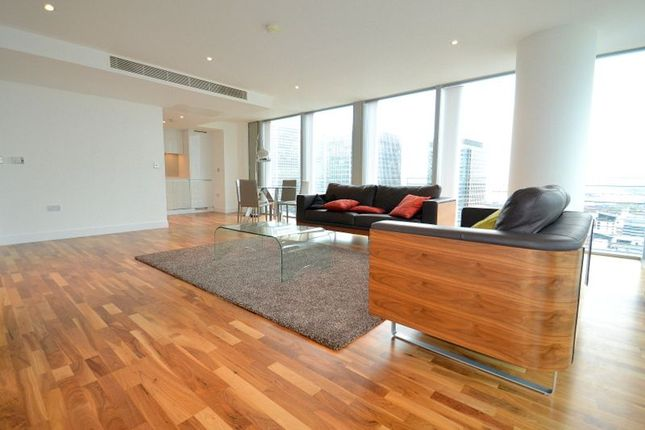 Thumbnail Flat to rent in Landmark Tower, Canary Wharf