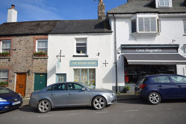 3 bed flat for sale in 36 The Square, Chagford, Devon TQ13