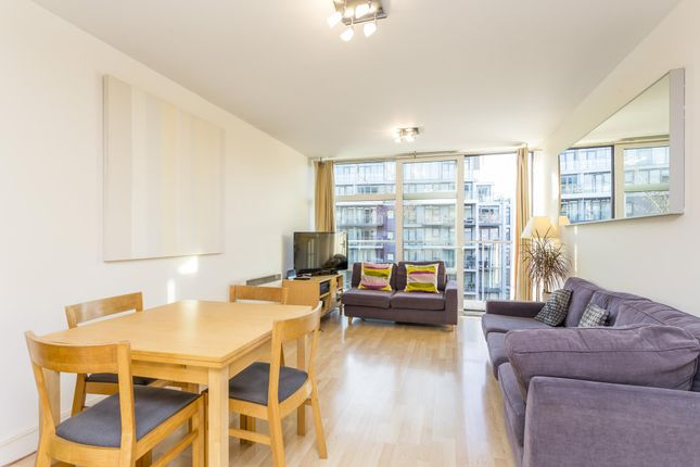 Thumbnail Flat for sale in Chelsea Bridge Wharf, Warwick Building, Battersea, London